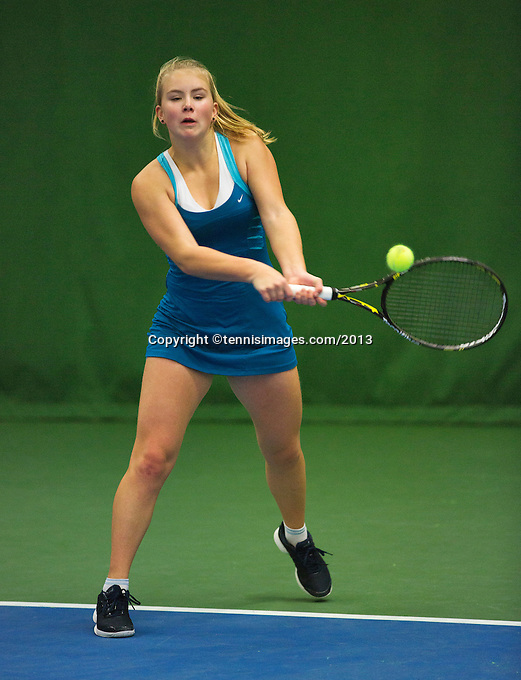 01-12-13,Netherlands, Almere,  National Tennis Center, Tennis, Winter Youth Circuit, Shura Poppe  <br /> Photo: Henk Koster