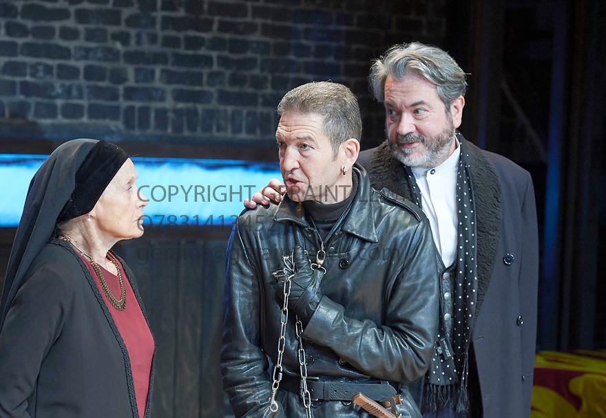 Richard III by William Shakespeare, directed by Mehmet Ergen. With Annie Firbank as Duchess of York, Greg Hicks as Richard, Mark Jax as Hastings. Opens at The Arcola Theatre on 15/5/17.