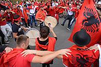 Fussball International  WM Qualifikation 2014   11.09.2012 Schweiz - Albanien Albanische Fans feiern vor dem Stadion in Luzern