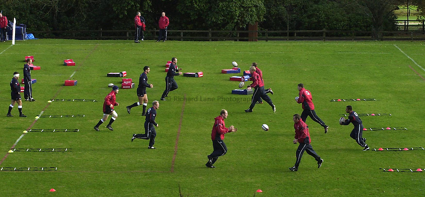 Photo: Greig Cowie.England Rugby Training. Penny Hill Park. 13-11-02.The England Team training