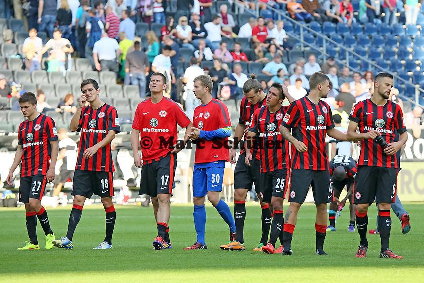 Frustrierte Frankfurter bedanken sich bei den Fans - Eintracht Frankfurt vs. FC Augsburg, Commerzbank Arena