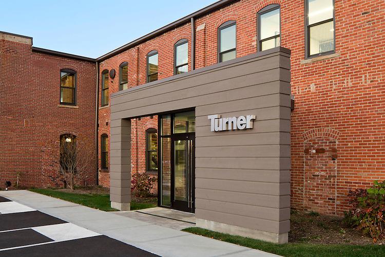 Turner Construction Company Columbus Office   Architect: M+A Architects, Construction: Turner Construction