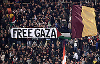 "Calcio, Serie A: AS Roma vs Torino. Roma, stadio Olimpico, 19 novembre 2012..AS Roma fans show a banner reading ""Free Gaza"" and a Palestinian flag during the Italian Serie A football match between AS Roma and Torino at Rome's Olympic stadium, 19 November 2012..UPDATE IMAGES PRESS/Riccardo De Luca"
