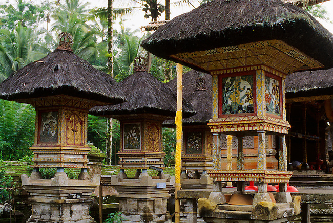 INDONESIA, BALI, HOLY SPRING TEMPLE, TIRTHA EMPUL