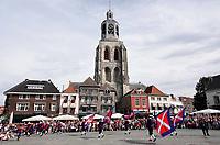 Nederland - Bergen op Zoom - 16 september 2018. De Sint-Gertrudiskerk.  Op zondag 16 september 2018 vindt in Bergen op Zoom de Brabant Stoet plaats. Dit is een grootst opgezet festival van de lopende cultuur. Deze vorm van cultuur is kenmerkend voor Brabant. In de Brabant Stoet zijn zo'n honderd vormen van lopende (en rijdende) cultuur te zien zoals gilden, fanfares, steltlopers, reuzen, carnaval, ommegangen en praalwagens. De Brabant Stoet wordt samengesteld met groepen uit zowel Noord-Brabant als Vlaams- en Waals-Brabant.   Foto Berlinda van Dam / Hollandse Hoogte
