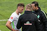 12.07.2017, Sportplatz, Zell am Ziller, AUT, TL Werder Bremen 2017 - FSP Werder Bremen (GER) vs Wolverhampton Wanderers (ENG), <br /> <br /> im Bild<br /> Robert Bauer (Werder Bremen #4) erhaelt vonAlexander Nouri (Trainer SV Werder Bremen) und Markus Feldhoff (Co-Trainer SV Werder Bremen) neue Anweisungen<br /> <br /> Foto &copy; nordphoto / Kokenge