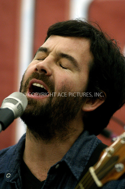 WWW.ACEPIXS.COM . . . . . ....NEW YORK, FEBRUARY 21, 2006......Duncan Sheik performance held at J and R Music and Computer World.....Please byline: KRISTIN CALLAHAN - ACEPIXS.COM.. . . . . . ..Ace Pictures, Inc:  ..Philip Vaughan (212) 243-8787 or (646) 679 0430..e-mail: info@acepixs.com..web: http://www.acepixs.com