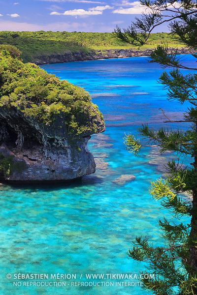 Falaises de Jokin (District du Wetr), Lifou, Nouvelle-Calédonie
