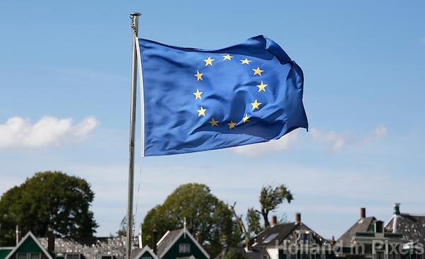 Nederland Zaanse Schans  2016. Vlag van Europa.   Foto Berlinda van Dam / Hollandse Hoogte