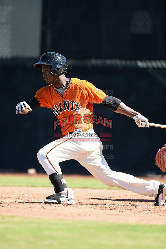 San Francisco Giants shortstop Kelvin Beltre (17) during an Instructional League game against the SK Wyverns on October 14, 2014 at Giants Baseball Complex in Scottsdale, Arizona.  (Mike Janes/Four Seam Images)