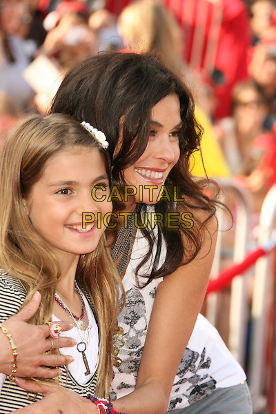 "EMERSON & TERI HATCHER.""Pirates Of The Caribbean: At World's End"" World Premiere held at Disneyland, Anaheim, California, USA,.May 19th, 007.3 half length mother daughter family mom mum .CAP/ADM/RE.©Russ Elliot/AdMedia/Capital Pictures"