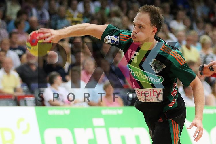 Bremen, 09.08.15, Sport, Handball, Erima-Cup 2015, MT Melsungen-TSV Hannover-Burgdorf : Lars Lehnhoff (TSV Hannover-Burgdorf, #15)<br /> <br /> Foto &copy; P-I-X.org *** Foto ist honorarpflichtig! *** Auf Anfrage in hoeherer Qualitaet/Aufloesung. Belegexemplar erbeten. Veroeffentlichung ausschliesslich fuer journalistisch-publizistische Zwecke. For editorial use only.