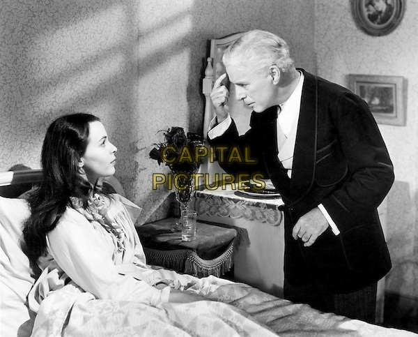 CLAIRE BLOOM & CHARLIE CHAPLIN.in Limelight (1952).*Filmstill - Editorial Use Only*.CAP/PLF.Supplied by Capital Pictures.