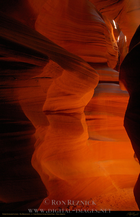 Upper Antelope Canyon, Tse-Bighanilini, Slot Canyon, Lake Powell Navajo Tribal Park, Page, Arizona