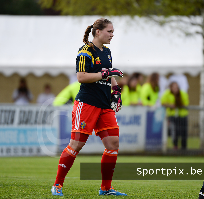 20140405 - SARLAT LA CANEDA , FRANCE : Swedish goalkeeper Matilda Haglund pictured during the female soccer match between SWEDEN U19 and POLAND  U19 , in the first game of the Elite round in group 3 in the UEFA European Women's Under 19 competition 2014 in the Stade Plaine De Jeux de la Caneda , Saturday 5 April 2014 in Sarlat La Caneda . PHOTO DAVID CATRY