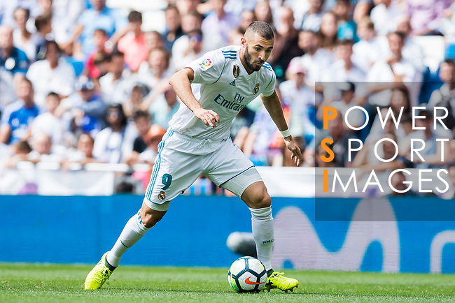 Karim Benzema of Real Madrid in action during the La Liga match between Real Madrid and Levante UD at the Estadio Santiago Bernabeu on 09 September 2017 in Madrid, Spain. Photo by Diego Gonzalez / Power Sport Images