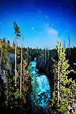 USA, Wyoming, Kessler Cascade under the stars, Yellowstone National Park