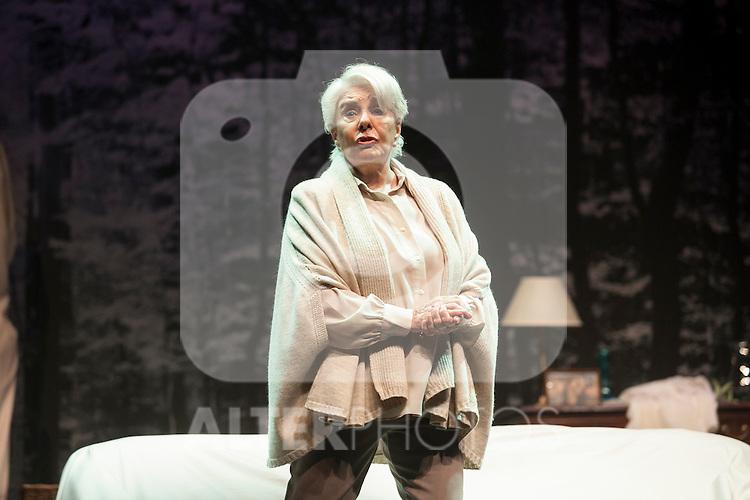 Spanish actress Lola Herrera performs during `El lago dorado´ theater play in Madrid, Spain. August 17, 2015. (ALTERPHOTOS/Victor Blanco)
