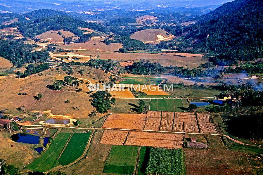 Aérea do Vale do Itajaí, Santa Catarina. 1989. Foto: Juca Martins.