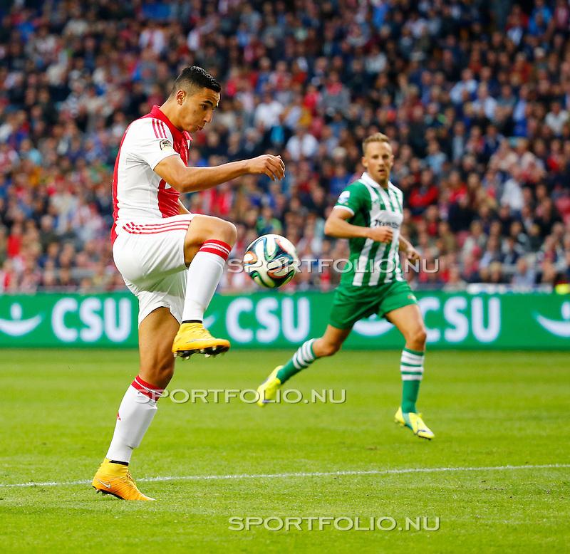 Nederland, Amsterdam, 5 oktober 2014<br /> Eredivisie<br /> Seizoen 2014-2015<br /> Ajax-PEC Zwolle<br /> Anwar El-Ghazi van Ajax in actie met bal.