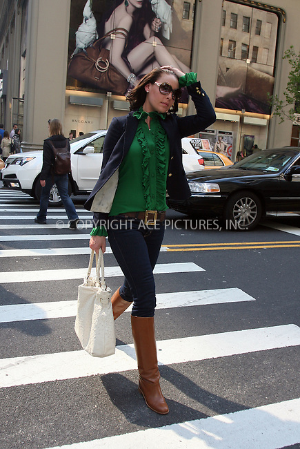 WWW.ACEPIXS.COM . . . . .  ....April 15 2010, New York City....Actress Katherine Heigl seen shopping on Fifth Avenue on April 15 2010 in New York City....Please byline: PHILIP VAUGHAN - ACE PICTURES.... *** ***..Ace Pictures, Inc:  ..Philip Vaughan (212) 243-8787 or (646) 679 0430..e-mail: info@acepixs.com..web: http://www.acepixs.com