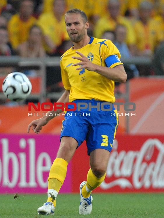 FIFA WM 2006 -  Gruppe B Vorrunde ( Group B )<br /> Play    #35 (20-Jun) - Schweden vs England <br /> <br /> Olof Mellberg (SWE)<br /> <br /> Foto &copy; nordphoto