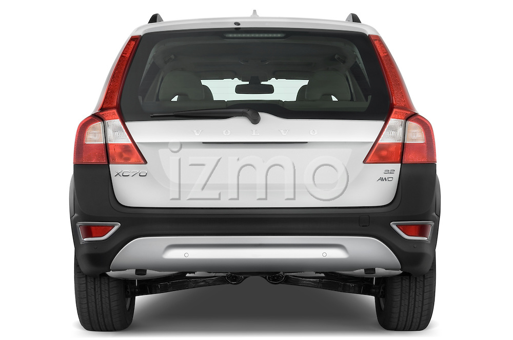 Straight rear view of a 2008 Volvo XC 70