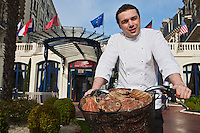 Europe/France/Bretagne/35/Ille et Vilaine/ Dinard:  Bruno Vitrac chef du restaurant Le Blue B au Grand Hôtel Barrière [Non destiné à un usage publicitaire - Not intended for an advertising use]