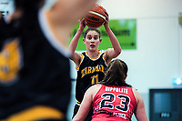 Taranaki's Isabelle Cook looks for support during the 2018 Women's Basketball League match between Canterbury Wildcats and Taranaki Thunder at Cowles Stadium in Christchurch, New Zealand on Sunday, 24 June 2018. Photo: Dave Lintott / lintottphoto.co.nz