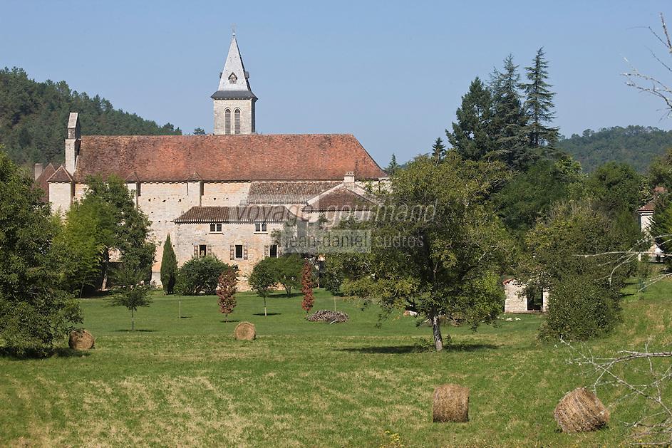 Europe/France/Midi-Pyrénées/46/Lot/Les Junies: Le village et son église St Pierre Es Liens