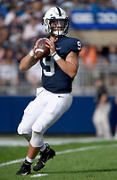 STATE COLLEGE, PA - SEPTEMBER 1: Penn State QB Trace McSorley (9) drops back in the pocket. The Penn State Nittany Lions defeated the Appalachian State Mountaineers 45-38 in overtime on September 1, 2018 at Beaver Stadium in State College, PA. (Photo by Randy Litzinger/Icon Sportswire)