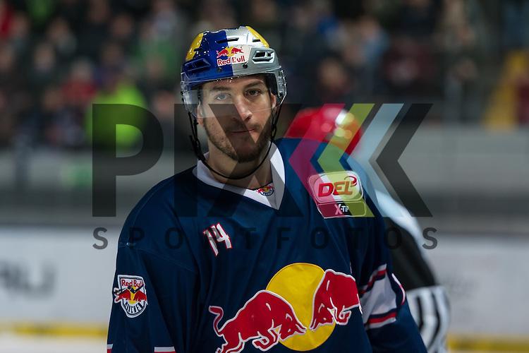 Eishockey, DEL, EHC Red Bull M&uuml;nchen - Hamburg Freezers <br /> <br /> Im Bild Torsch&uuml;tze zum 2:0 Steve PINIZZOTTO (EHC Red Bull M&uuml;nchen, 14) beim Spiel in der DEL EHC Red Bull Muenchen - Hamburg Freezers.<br /> <br /> Foto &copy; PIX-Sportfotos *** Foto ist honorarpflichtig! *** Auf Anfrage in hoeherer Qualitaet/Aufloesung. Belegexemplar erbeten. Veroeffentlichung ausschliesslich fuer journalistisch-publizistische Zwecke. For editorial use only.