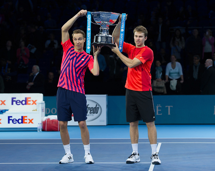 Henri Kontinen of Finland (left) and John Peers of Australia win the Doubles Championship against Raven Klaasen of South Africa and Rajeev Ram of the U.S in the men&rsquo;s Doubles Final match on day eight of the ATP World Tour Finals <br /> <br /> Photographer Ashley Western/CameraSport<br /> <br /> International Tennis - Barclays ATP World Tour Finals - Day 8 - Sunday 20th November 2016 - O2 Arena - London<br /> <br /> World Copyright &copy; 2016 CameraSport. All rights reserved. 43 Linden Ave. Countesthorpe. Leicester. England. LE8 5PG - Tel: +44 (0) 116 277 4147 - admin@camerasport.com - www.camerasport.com