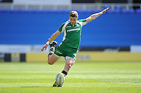 Theo Brophy-Clews of London Irish takes a penalty kick during the Aviva Premiership match between London Irish and Harlequins at the Madejski Stadium on Sunday 1st May 2016 (Photo: Rob Munro/Stewart Communications)