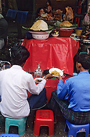 Asie/Birmanie/Myanmar/Yangon: Anawrahta street - Détail étal restaurant de rue
