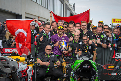 03.04.2016. Motorland, Aragon, Spain, World Championship Motul FIM of Superbikes. Kenan Sofuoglu #1, Kawasaki ZX-6R rider of Supersport and his team celebrate the victory after the Race  in the World Championship Motul FIM of Superbikes from the Circuito de Motorland.