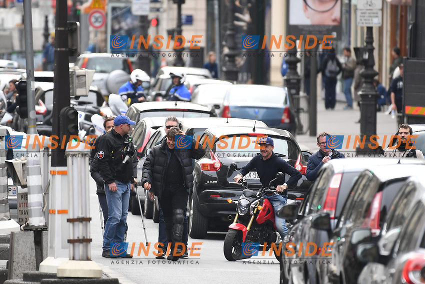 Christopher McQuarrie, Tom Cruise filming a new scene of &quot;Mission Impossible 6&quot; with a motorbike at l&rsquo;Opera in Paris  <br /> Christopher McQuarrie, Tom Cruise in moto durante le riprese di Mission Impossible 6 <br /> Parigi 30-04-2016 L'Opera <br /> Foto Lionel Urman / Panoramic / Insidefoto