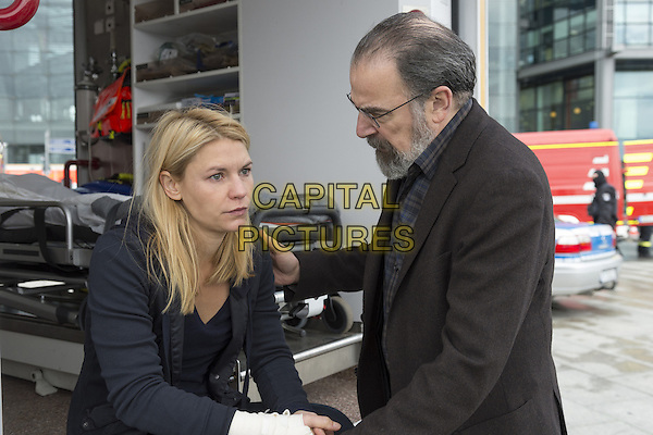 Homeland (2011-)<br /> (Season 5)<br /> Claire Danes as Carrie Mathison and Mandy Patinkin as Saul Berenson<br /> *Filmstill - Editorial Use Only*<br /> CAP/FB<br /> Image supplied by Capital Pictures