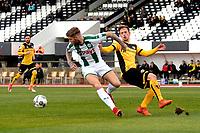 LA LINEA - Voetbal, FC Groningen - Dynamo Dresden, Trainingskamp FC Groningen, seizoen 2017-2018, 13-01-2018,  FC Groningen speler Lars Veldwijk  met Florian Ballas