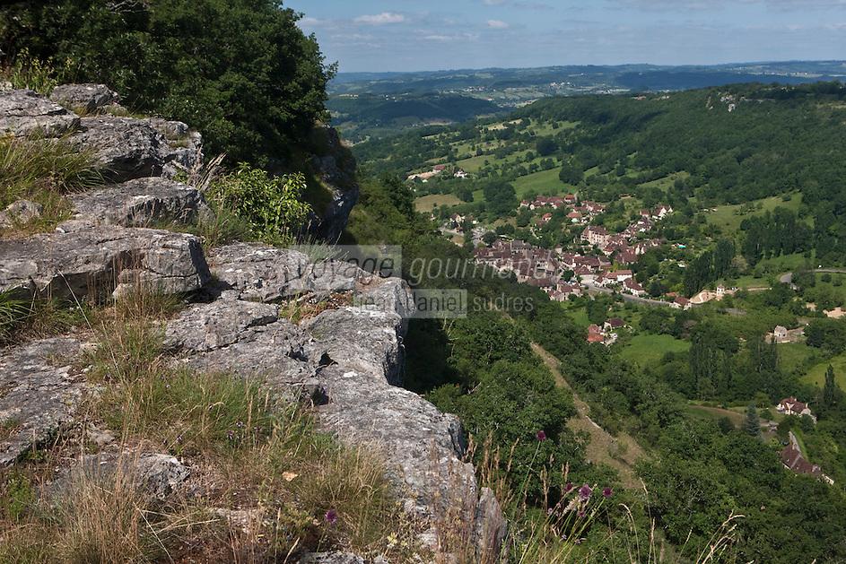 Europe/Europe/France/Midi-Pyrénées/46/Lot/Autoire: Le cirque d'Autoire et le village au fond du vallon vu depuis les falaises - Plus Beaux Villages de France