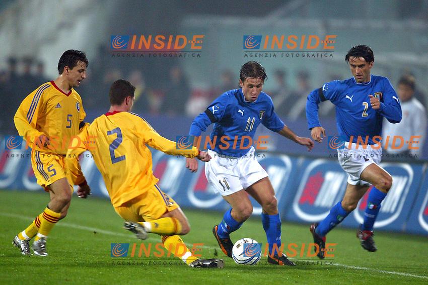 Ancona 17 Novembre 2003 <br /> Italia Romania 1-0 <br /> Antonio Cassano e Christian Panucci in azione contrastato dai difensori rumeni Stoican (2) e Dumitru (5)<br /> Foto Andrea Staccioli Insidefoto