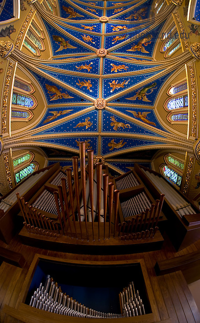 Interior of the Basilica of the Sacred Heart, looking up at the pipe organ and ceiing..Photo by Matt Cashore/University of Notre Dame