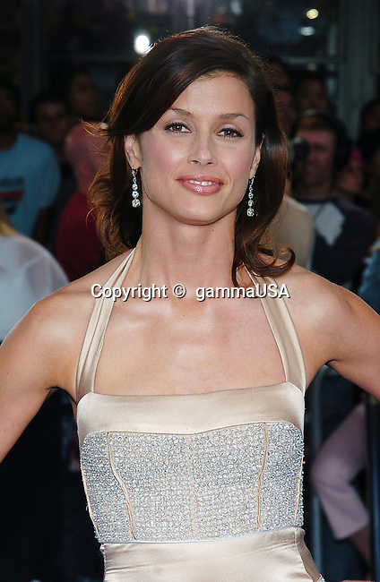 Bridget Moynahan arriving at the i,Robot Premiere at the Westwood Village in Los Angeles. July 7, 2004.