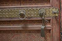 Afrique/Afrique du Nord/Maroc/Fèz: dans la médina Riad Palais de Fez ou Dar Tazi détail serrure de porte d'une chambre