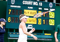29-6-07,England, Wimbldon, Tennis, Michaella Krajicek laat haar racket zweven als zij een breekkans verspeeld