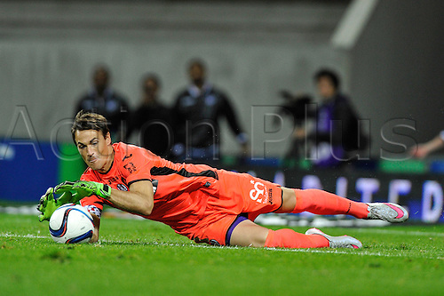 23.09.2015. Toulouse, France. French League 1 football. Toulouse versus Marseille.  Mauro GOICOECHEA (tfc) makes a diving save