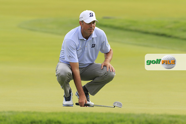 Matt Kuchar (USA) lines up his putt on the 4th green during Thursday's Round 1 of the 2016 U.S. Open Championship held at Oakmont Country Club, Oakmont, Pittsburgh, Pennsylvania, United States of America. 16th June 2016.<br /> Picture: Eoin Clarke | Golffile<br /> <br /> <br /> All photos usage must carry mandatory copyright credit (&copy; Golffile | Eoin Clarke)