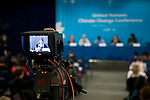 Amanda MacKenzie, Australia, a joint press conference for the International Youth Delegates, organized by 350.org. UNFCCC COP 14 (©Robert vanWaarden ALL RIGHTS RESERVED)