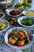 "Asie/Birmanie/Myanmar/Haute Birmanie/Mandalay: ""Birman Aye Myit Tar"" - Curry de crevettes, maïs, chili, tomates vertes, poisson fermenté et haricots rouges"