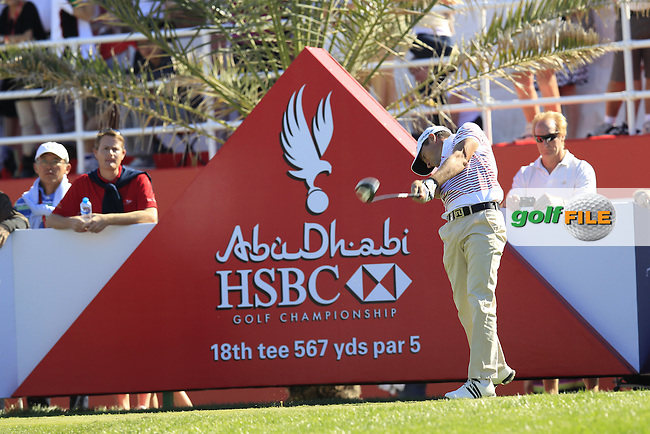 Steve Webster (ENG) tees off the 18th tee during Friday's Round 2 of the Abu Dhabi HSBC Golf Championship at Abu Dhabi Golf Club, 18th January 2013 (Photo Eoin Clarke/www.golffile.ie)